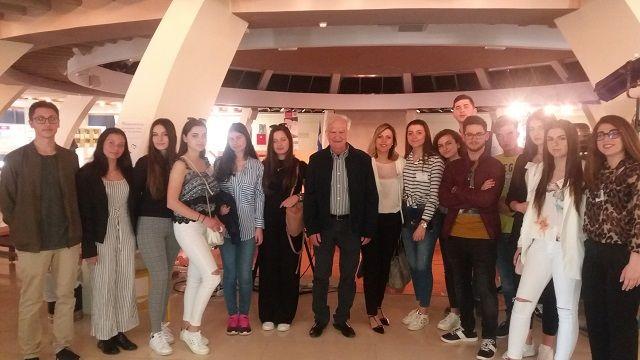 Συμμετοχή στο 6ο Παναρσακειακό Μαθητικό Συνέδριο - Pjesëmarrja e parë e kolegjit greko-shqiptar Arsakeio e Tiranës në konferencën e 6të të nxënësve të shkollave Arsakeio