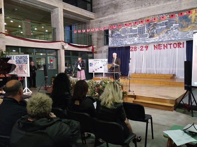 Οι εθνικές επέτειοι τής 28ης και 29ης Νοεμβρίου/ Festat Kombëtare të 28 dhe 29 Nëntorit