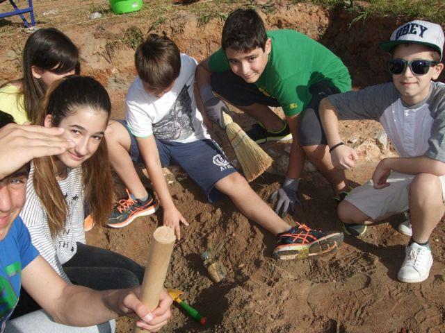 Δειγματική ανασκαφή στα σχολεία τής Εκάλης