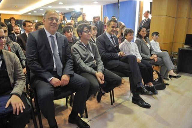 Ο πρωθυπουργός και δύο υπουργοί τίμησαν την Ομάδα Ρομποτικής!