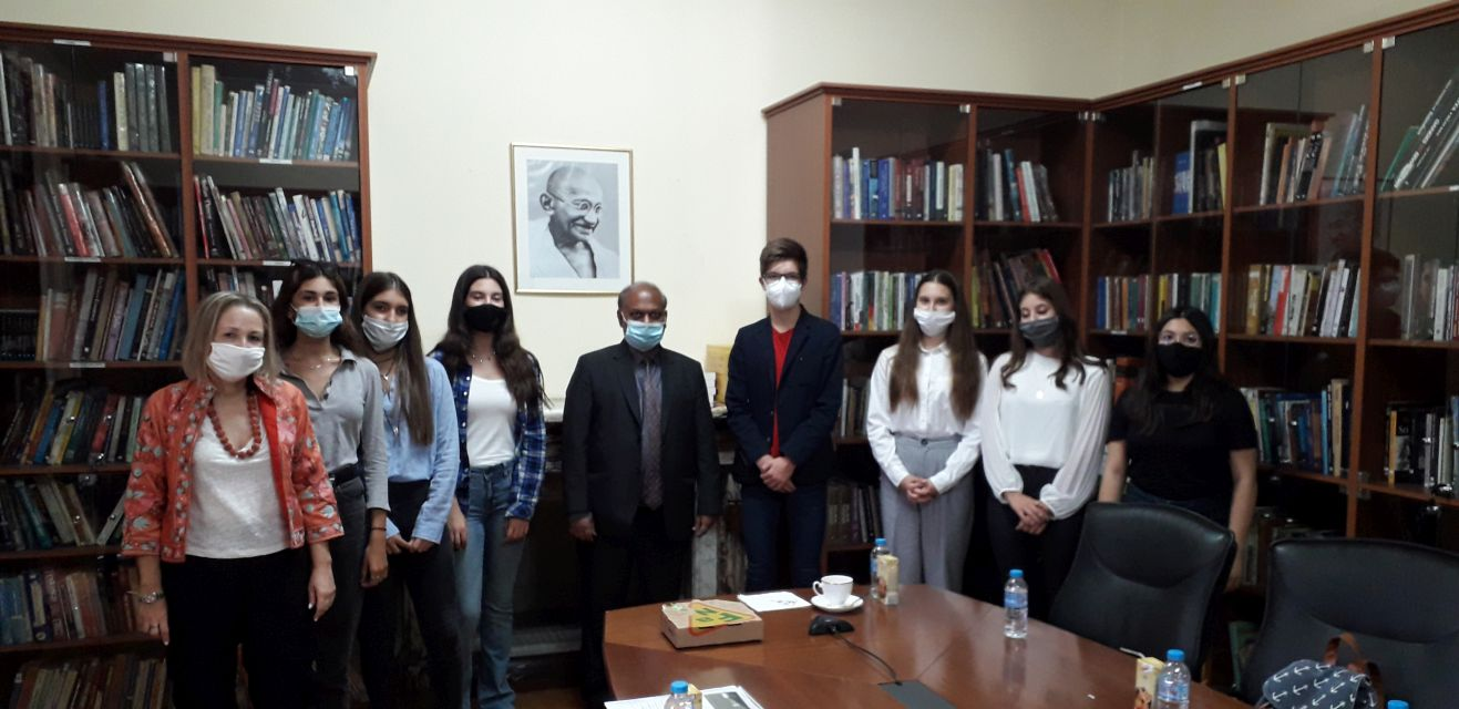 Επίσκεψη στην πρεσβεία τής Ινδίας