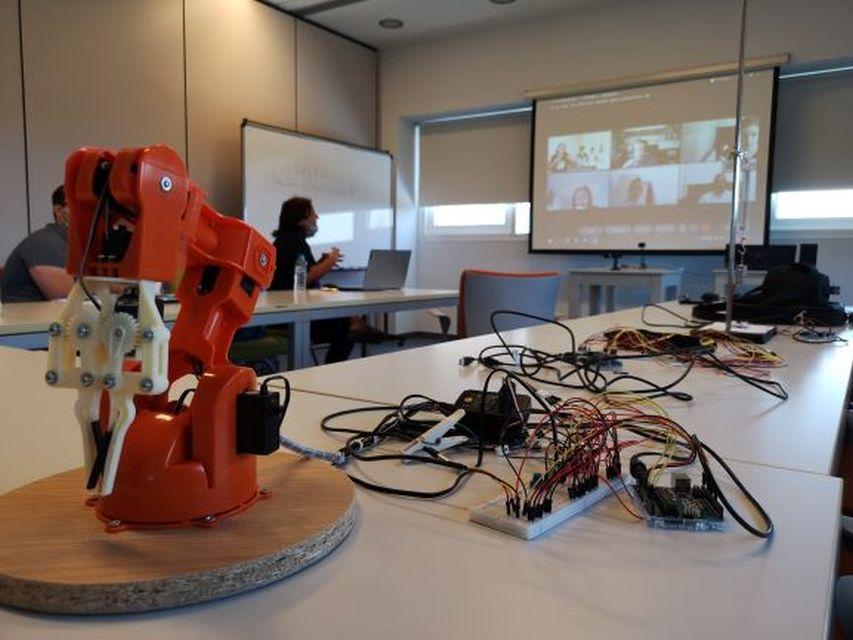 Erasmus ROBOSTEM: Ψηφιακή τεχνολογία και Φυσικές επιστήμες