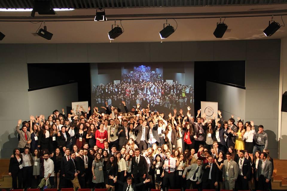 Στην 33η Εθνική Συνδιάσκεψη τού Ευρωκοινοβουλίου Νέων