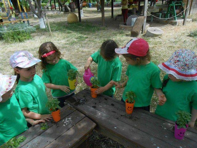 Οι μικροί κηπουροί στο πολιτιστικό πάρκο Χρυσαλίδα