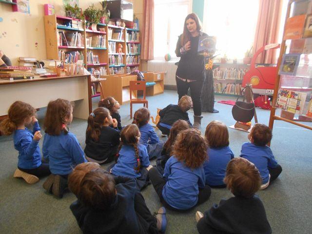 «Ο Αρλεκίνος» και το «Μαγικό Σκουπόξυλο» στην Παιδική Βιβλιοθήκη των Αρσακείων Σχολείων Ψυχικού»