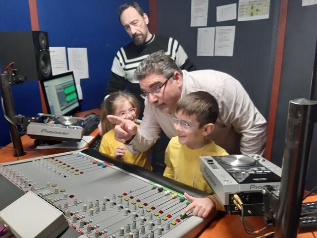 """Εκπαιδευτική επίσκεψη στον ραδιοφωνικό σταθμό """"ΣΠΟΡ Fm"""""""