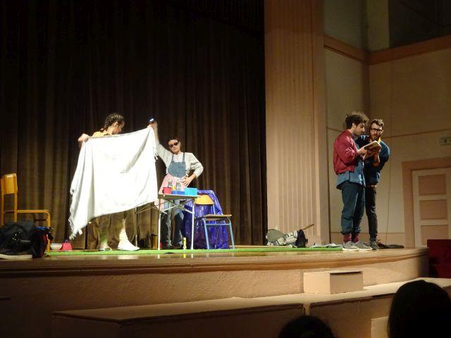 """Το θέατρο έρχεται στο Σχολείο -""""Ο Μοσκώβ-Σελήμ""""τούΓεωργίου Βιζυηνού"""