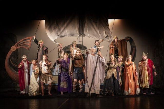 Παρακολούθηση τής παράστασης ''Οδύσσεια… στον πηγαιμό για την Ιθάκη''