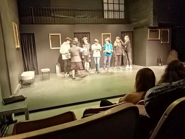 Παρακολούθηση τής παράστασης «Η στρίγγλα που έγινε αρνάκι»