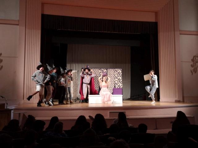 Αγγλικό θέατρο στο Σχολείο - Η Ωραία Κοιμωμένη
